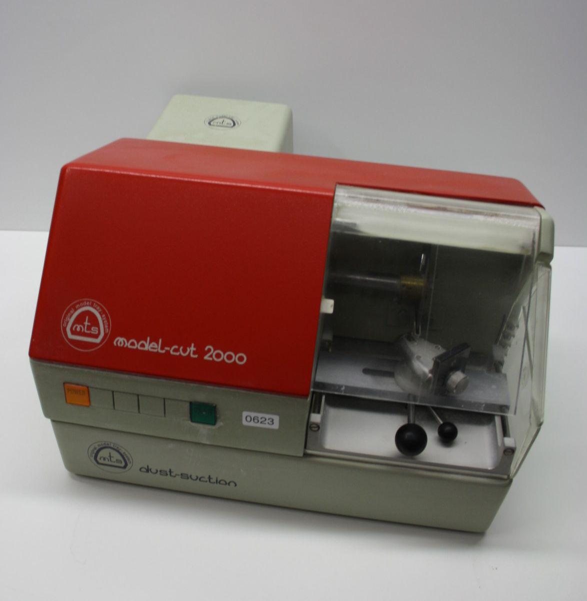 Modellsäge model-cut 2000 Model-tray mit Dust-suction # 623