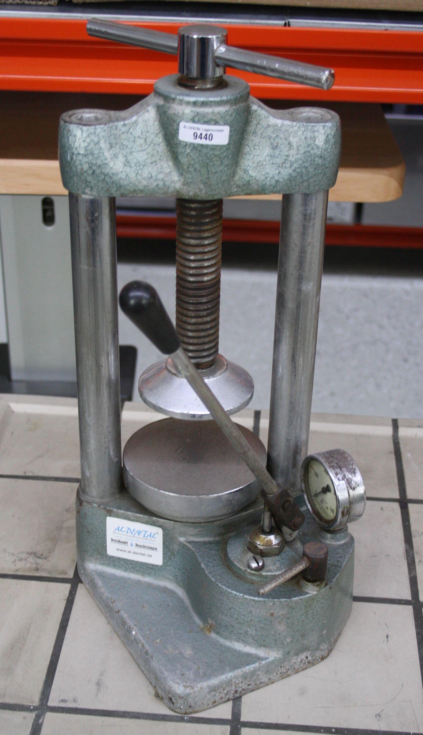 BEGO Hydraulikpresse / Küvettenpresse # 9440